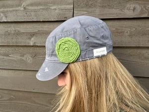 Image of Light Grey Hat/Green Flower