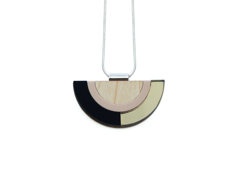 Image of OUTLINE NECKLACE - BRONZE