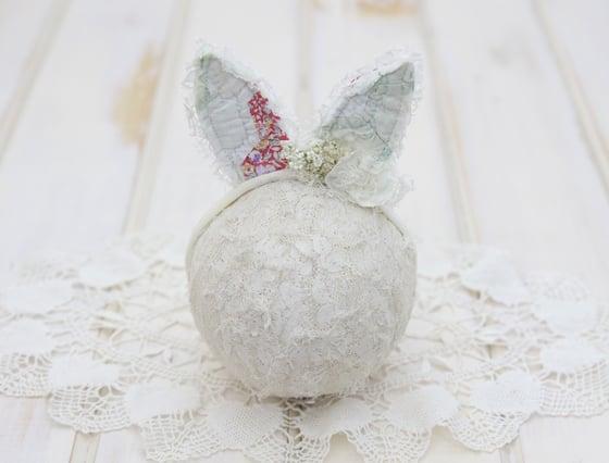 Image of Ooak Newborn Vintage Quilted Bunny Ears Tieback #H