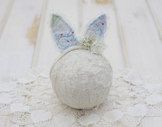 Image of Ooak Newborn Vintage Quilted Bunny Ears Tieback #B