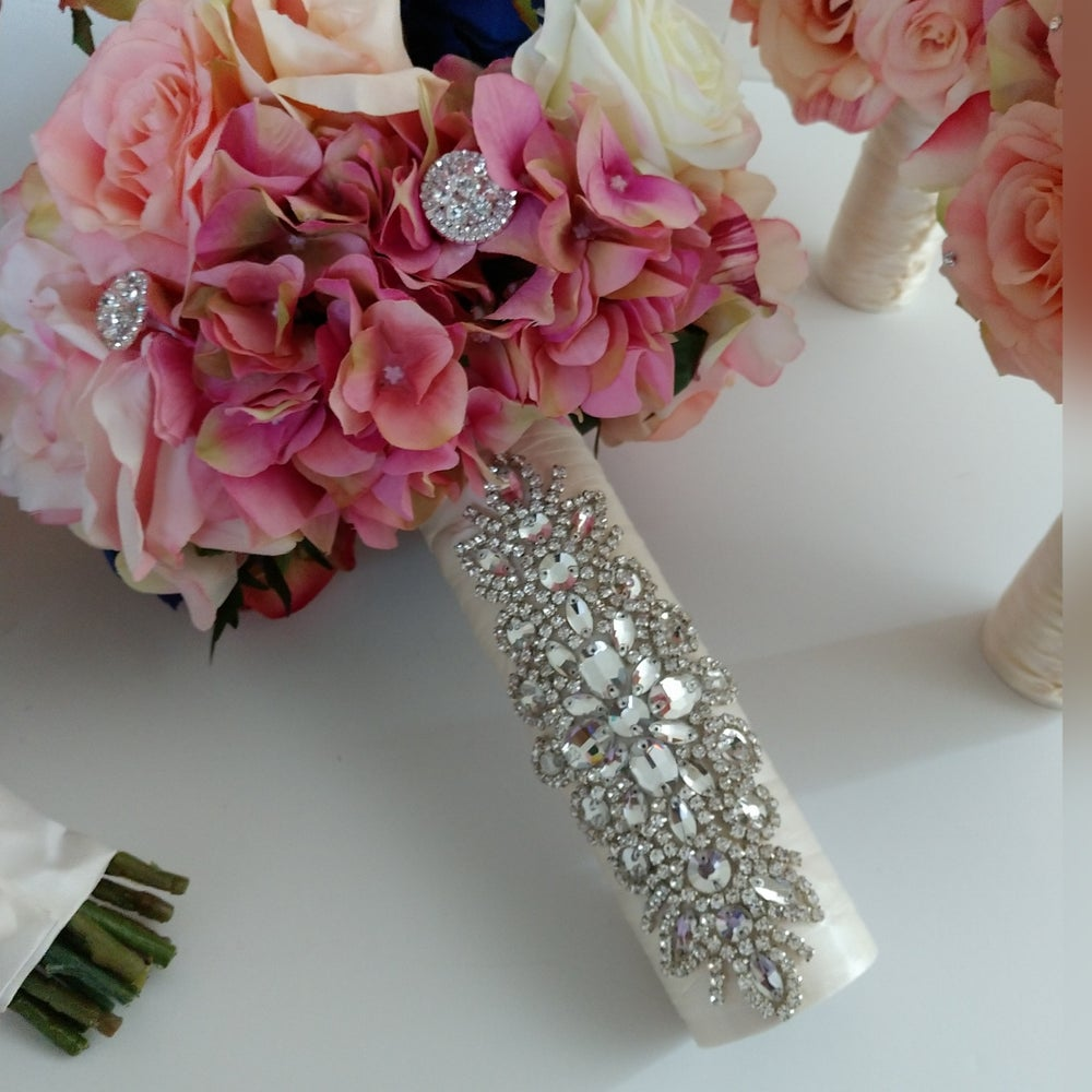 """""""Tonya"""" Bouquet Holder ( available in other colors)"""