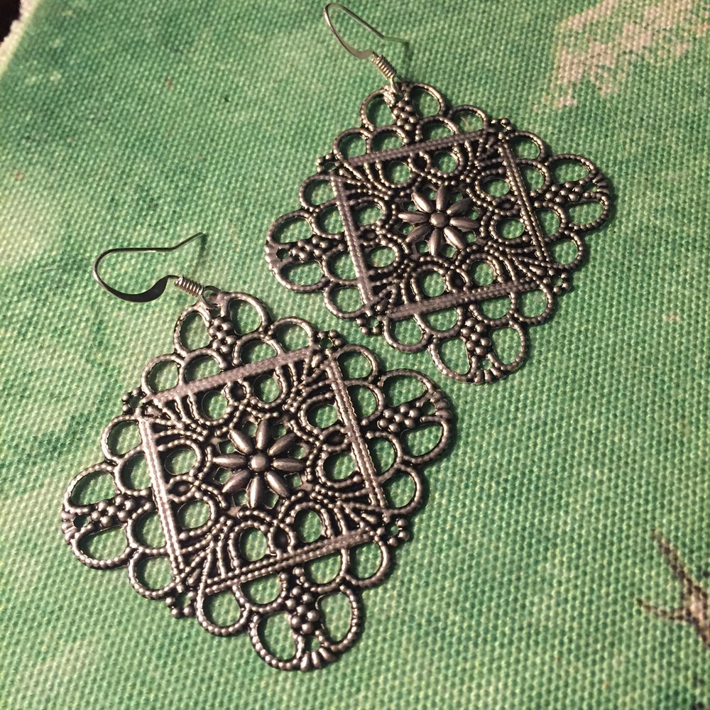 Image of Silver Filigree Dangle Earrings