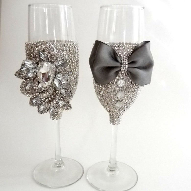Image of Ryanne Champagne Glasses (More Bowtie Colors)