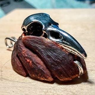 Image of Raven Skull Avocado Stone Pendant 3