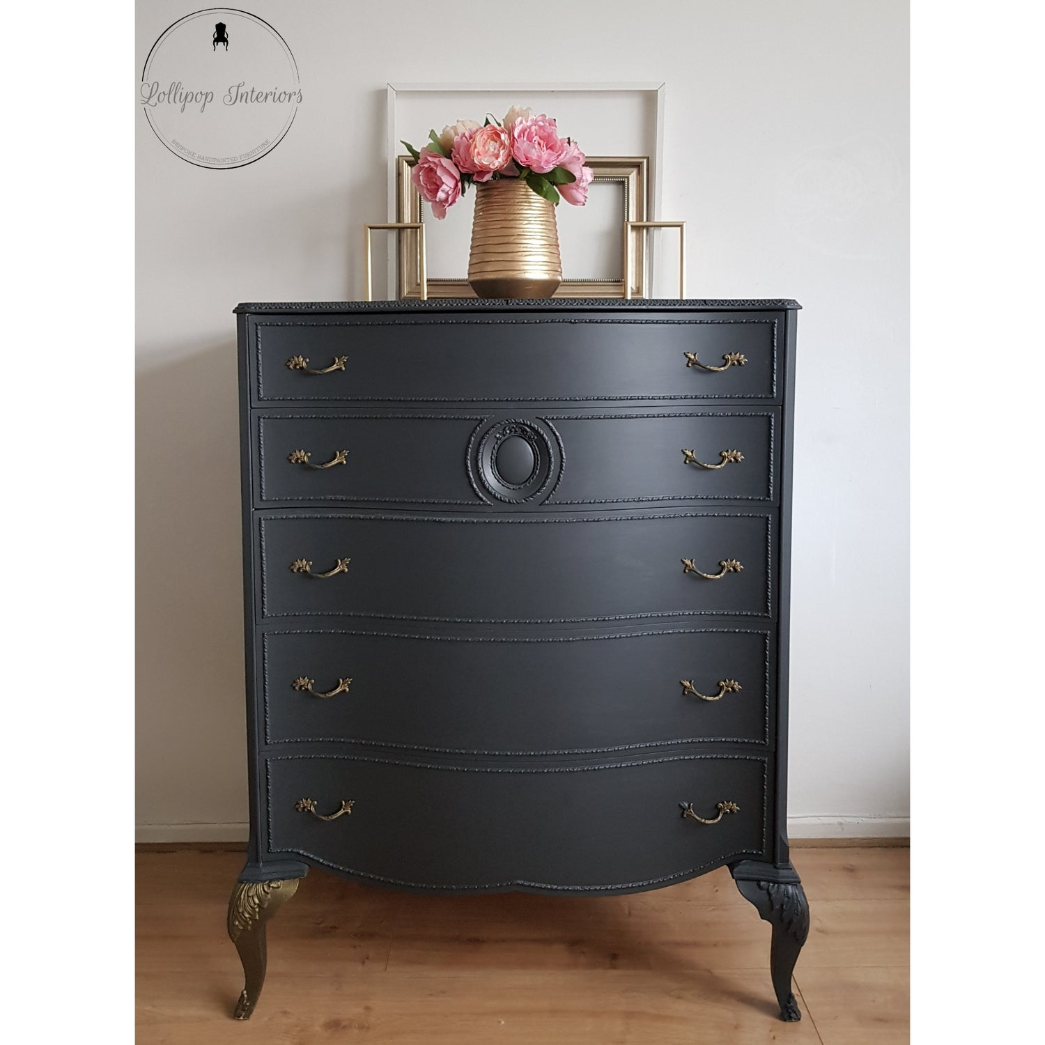 Image of Chest of drawers