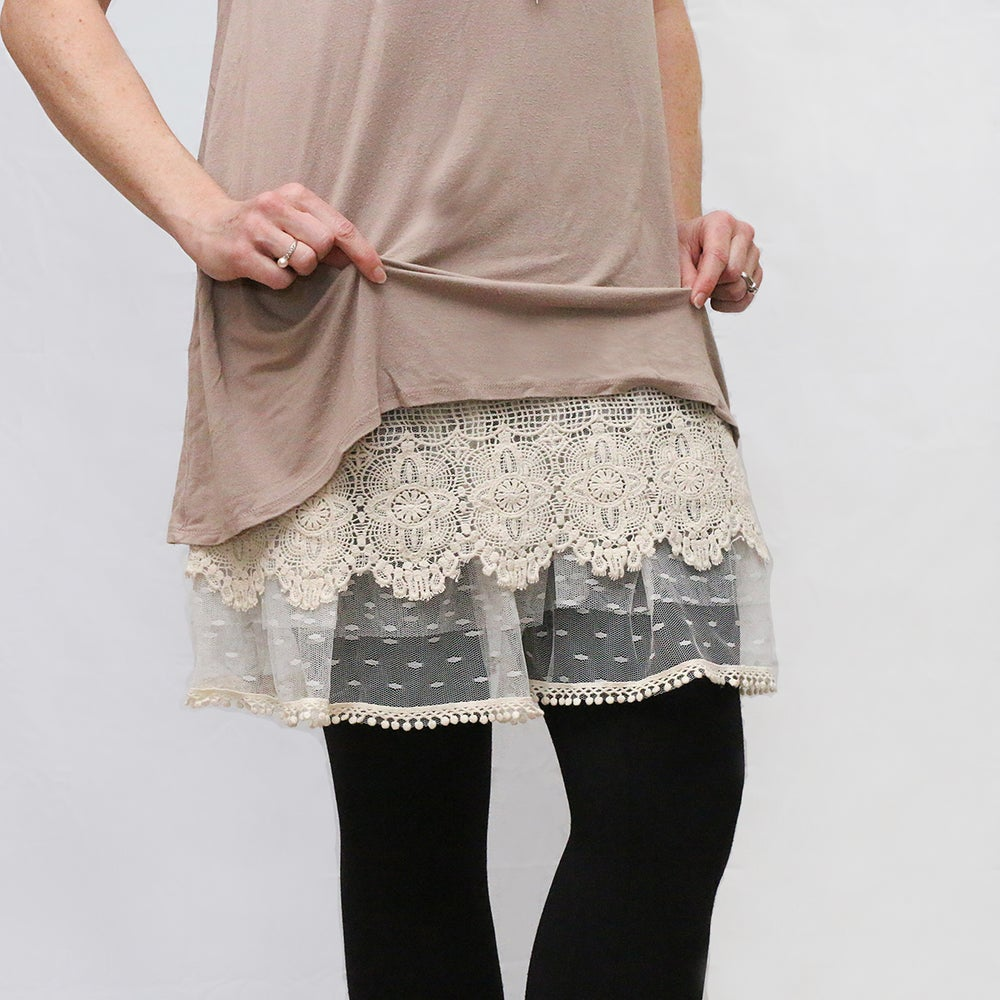Image of FREESHIP Lace Layers Top Extender 7 *T7* Longer length S-L