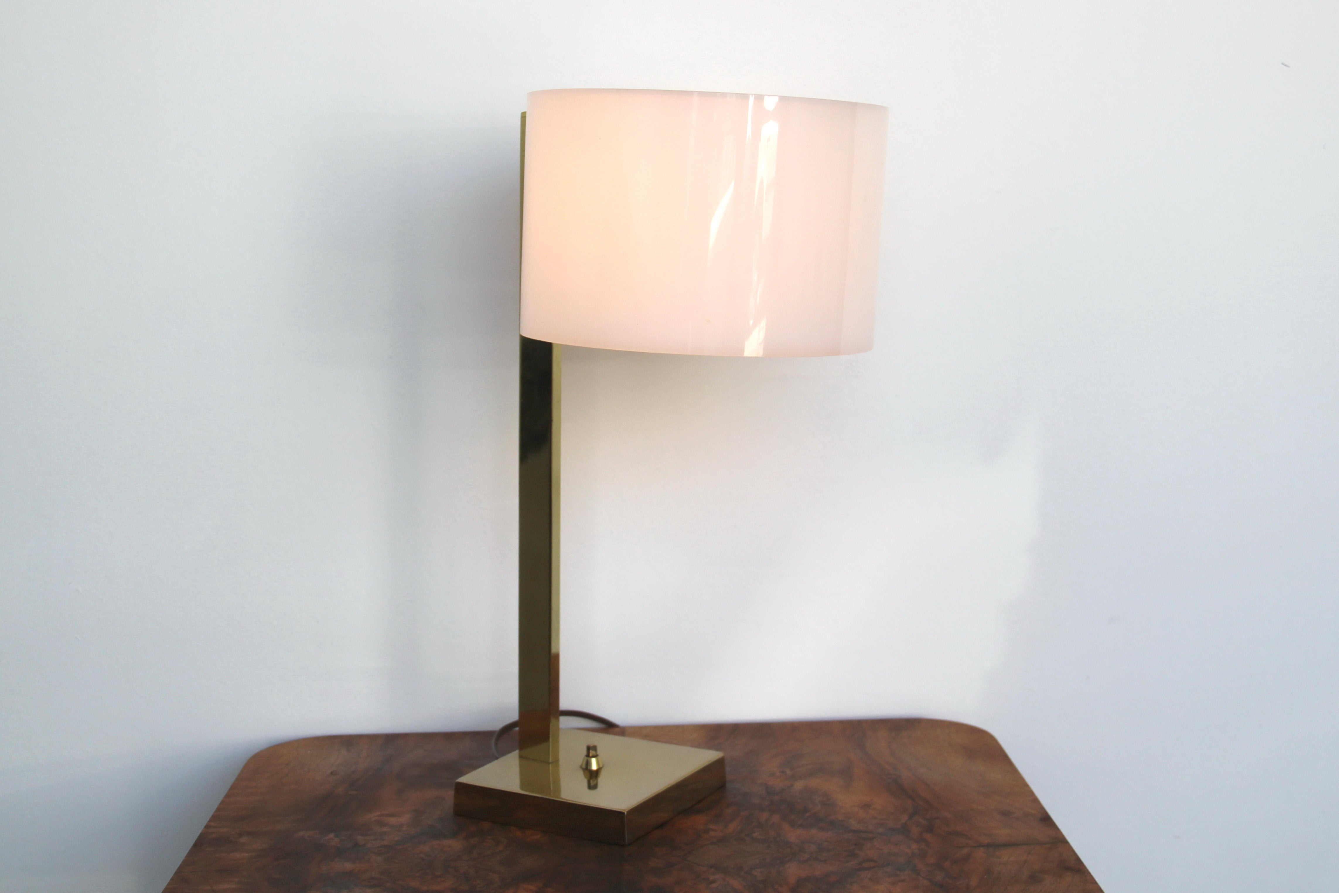 Image Of Brass Cantilever Lamp With Lucite Shade By Laurel Lamp Mfr. Co.