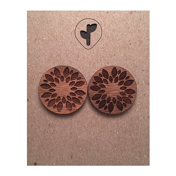 Image of cycles / studs / walnut