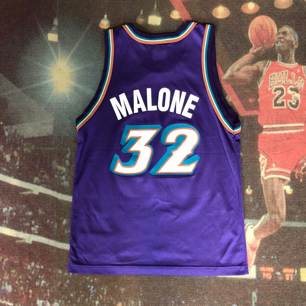best sneakers 24268 2d4be Vintage Champion Utah Jazz Karl Malone Jersey Youth Size Medium