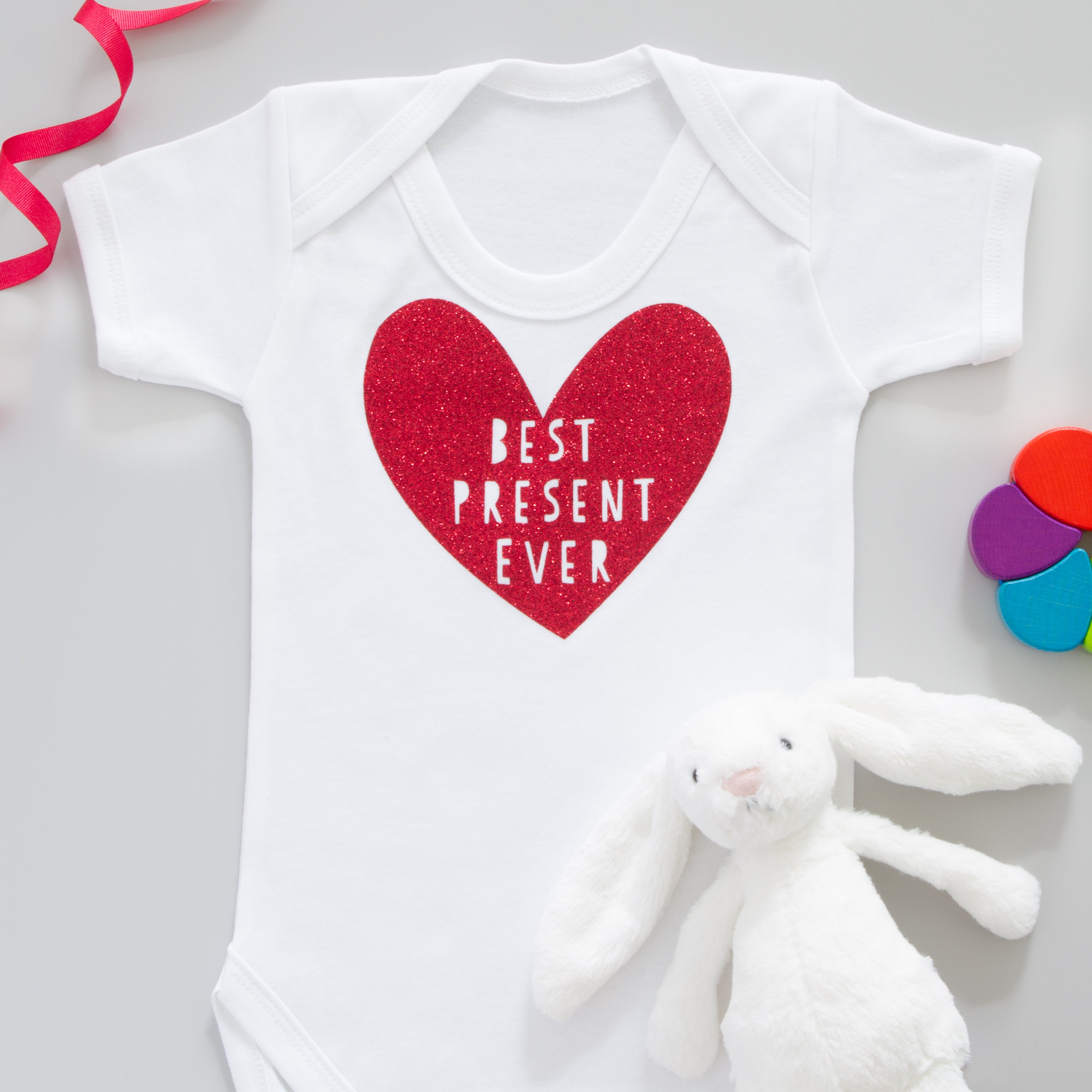 Best Present Ever Red Glitter Valentines Day T Shirt Baby Grow