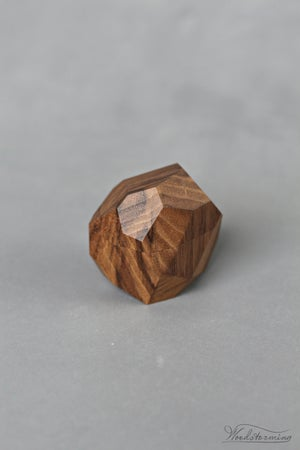 Image of Faceted ring box - proposal ring box