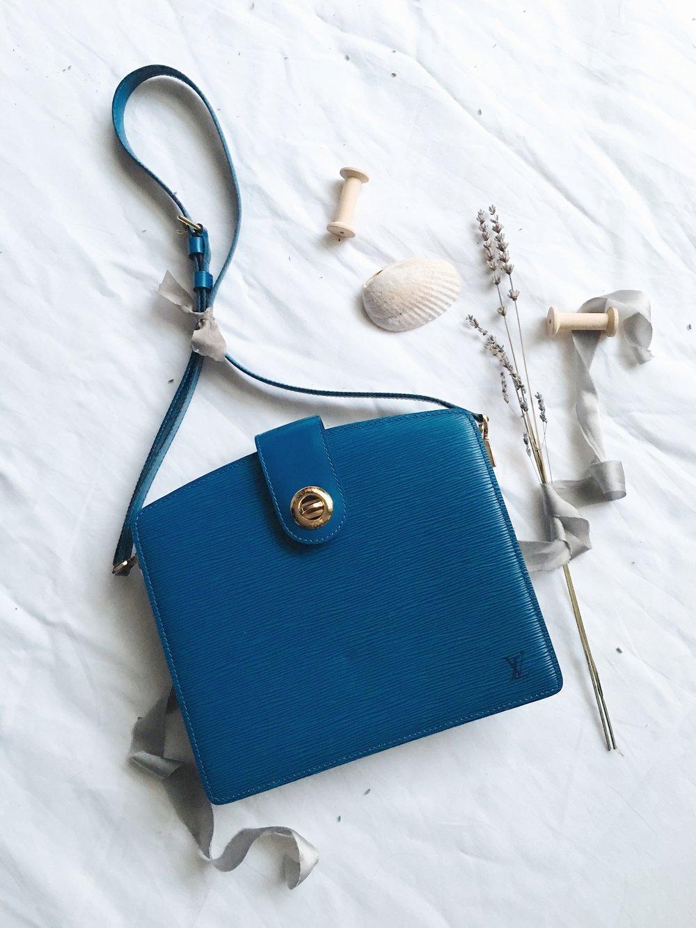 Image of 1995 LOUIS VUITTON Toledo Blue Epi Capucine Shoulder bag