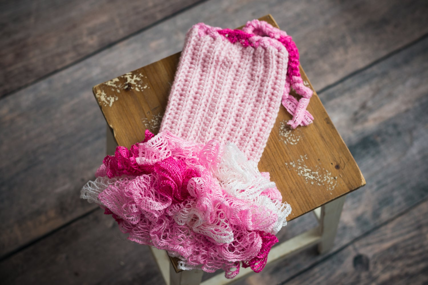 Image of Newborn pink and white outfit - crochet