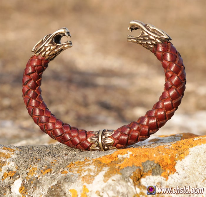 Leather Bracelet / Wolfs / Brown