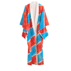 Image of Silke kimono med rødt/blåt shibori stjerne mønster