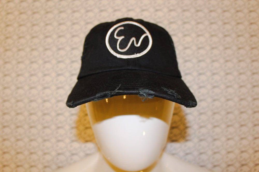 DISTRESSED BLACK HAT