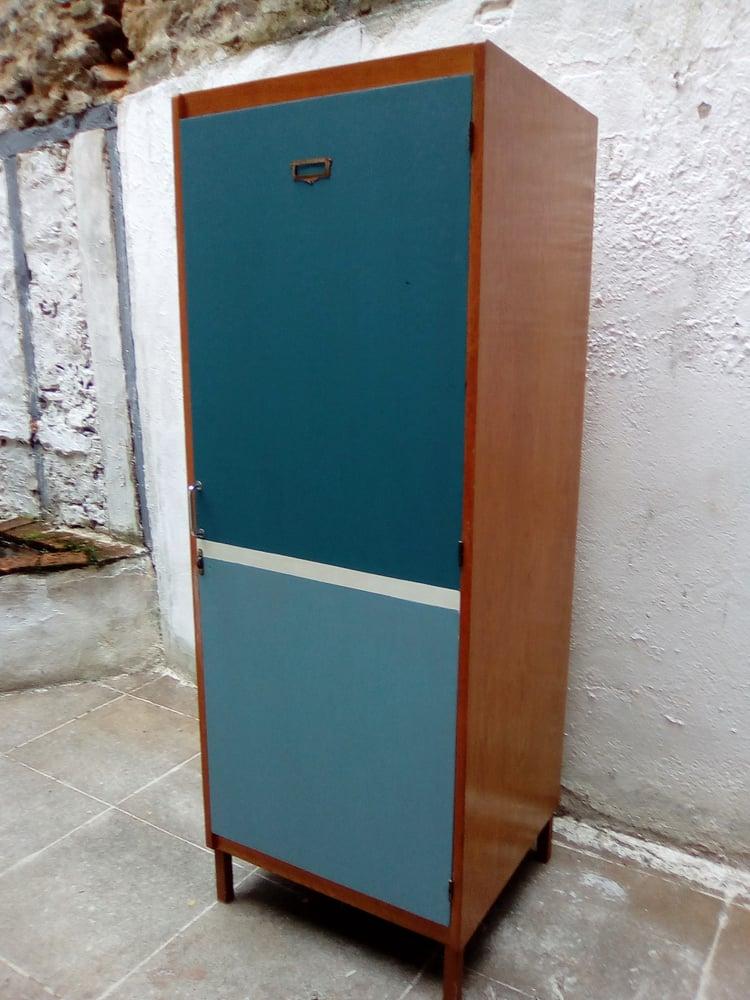 Image of Armoire vestiare en bois-Vintage
