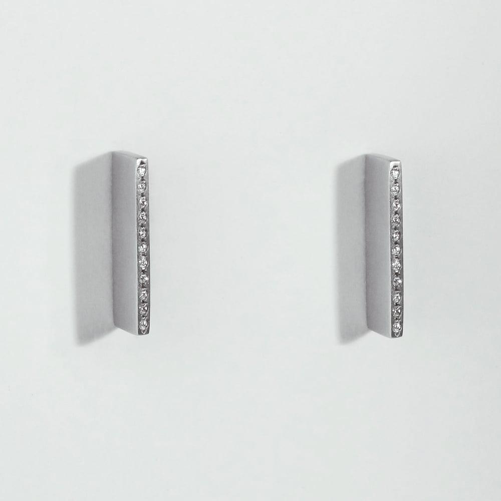 Image of INFINITE BEAT DIAMOND EARRINGS / VARIATION ONE