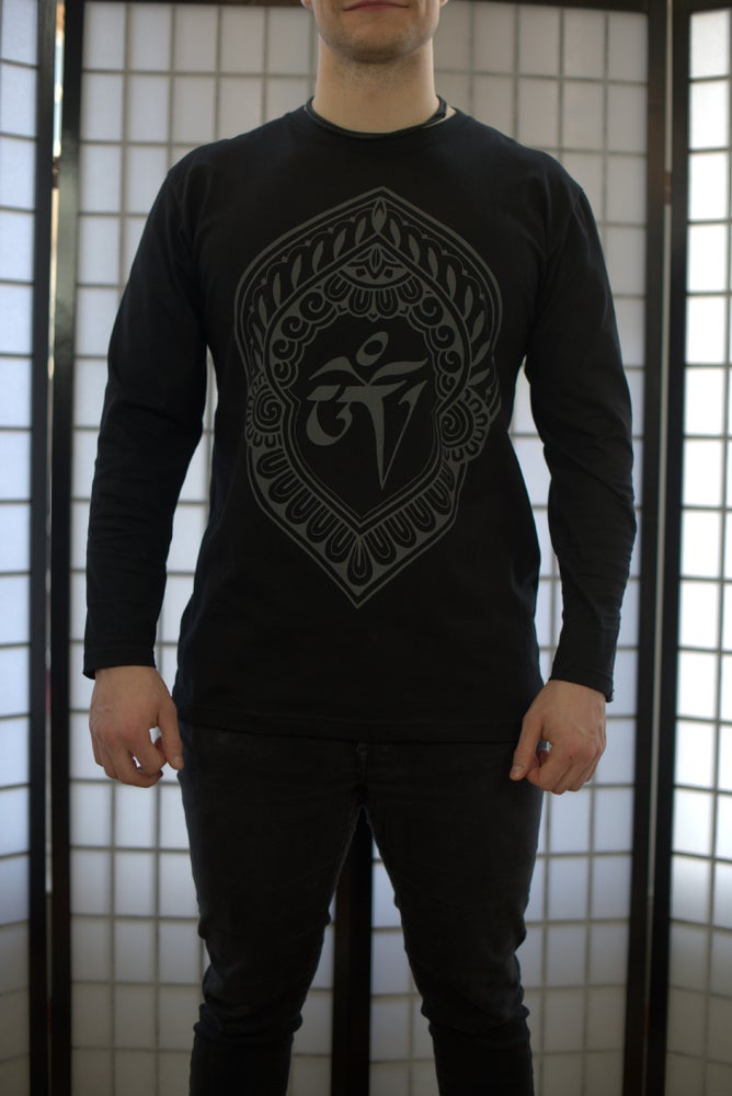 Image of Ohm Long sleeve shirt