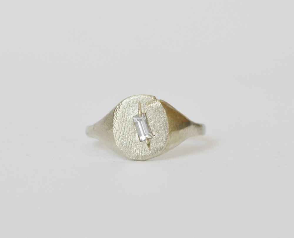 Image of Sideways Signet