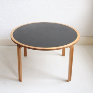 Image of Round dining table by Magnus Olesen