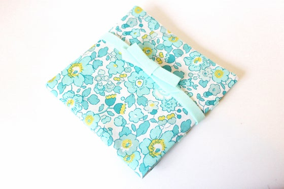 Image of Porte Barrettes Liberty Betsy Mint and Lemon - SUR COMMANDE