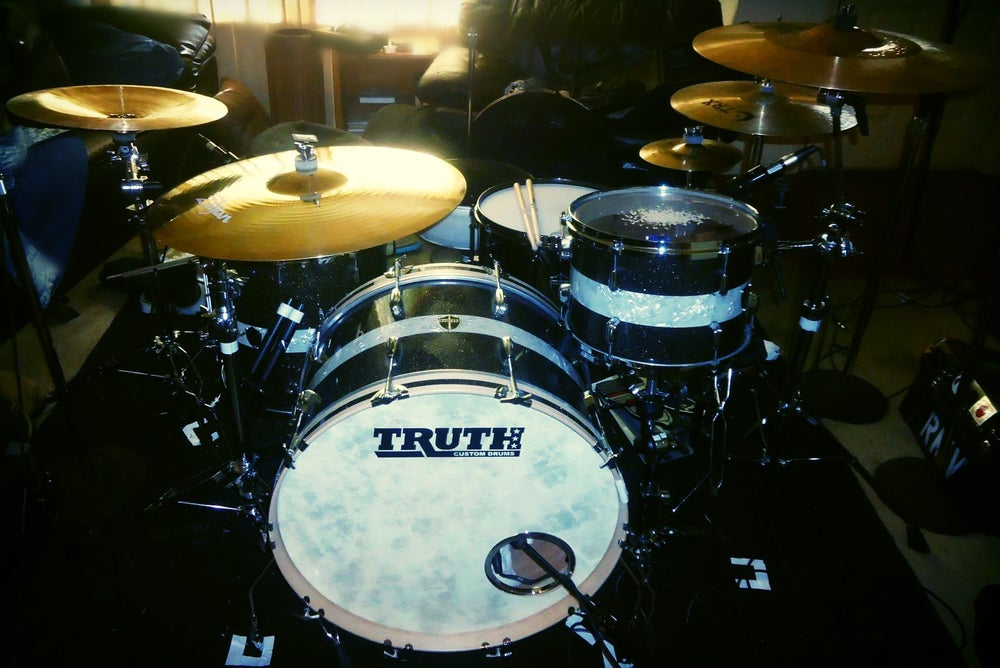 Drums - Truth Custom Root Beer Glass Glitter