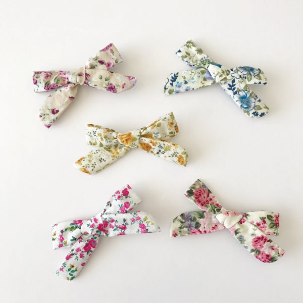 "Image of 3.5"" Floral Bows"