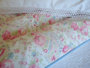 "Image of Stunning paisley eiderdown in Sarah Hardaker ""Natural"" fabric"