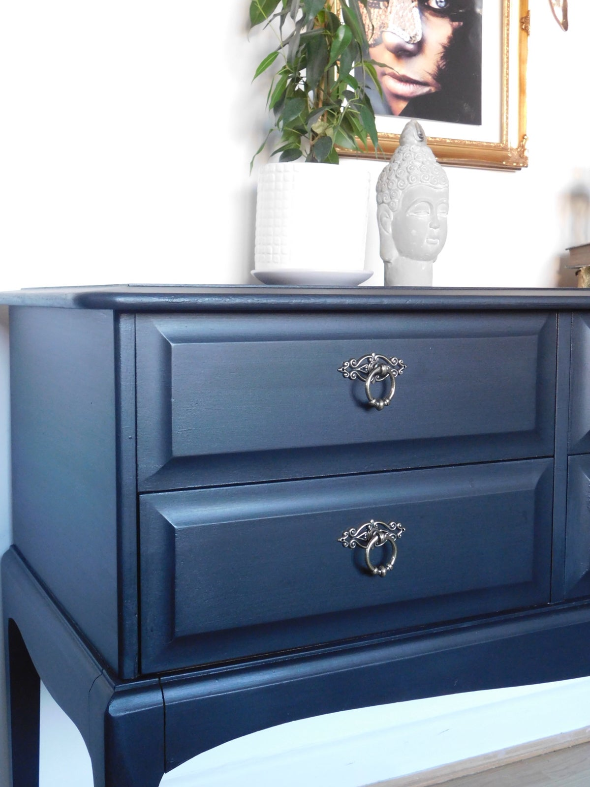 Image of A solid mahogany console/sideboard in black