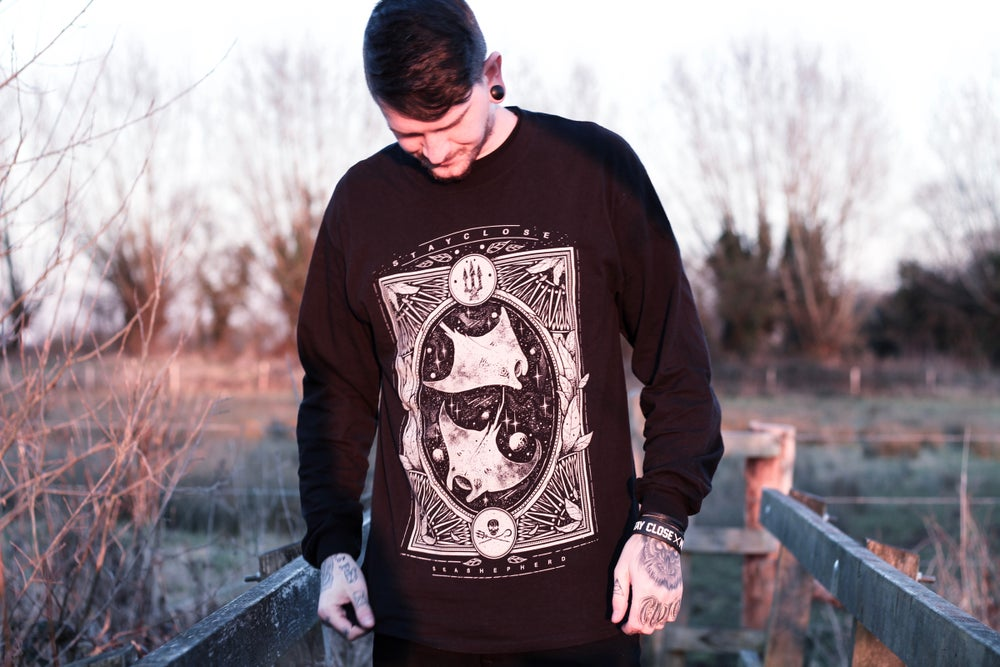 Image of Manta Ray Long Sleeve