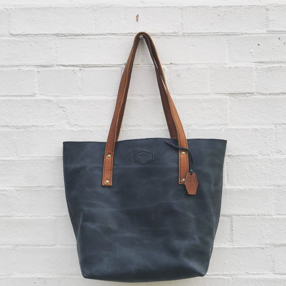 Image of 'Savuti' Oversized Tote