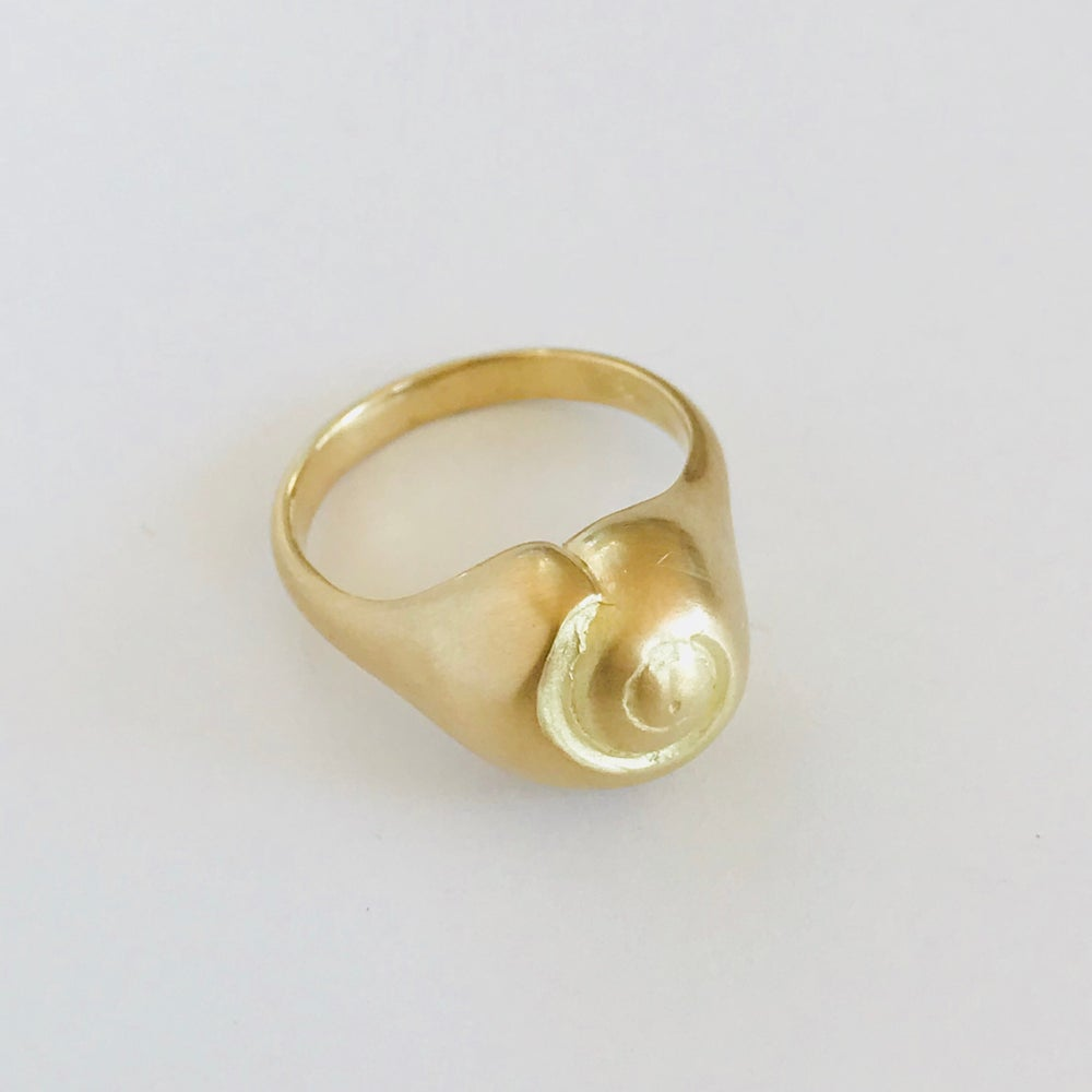Image of Snail Shell Ring 18k