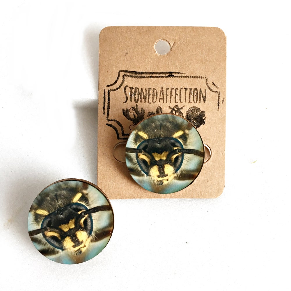 Image of Bumblebee Face Wooden Brooch Pin