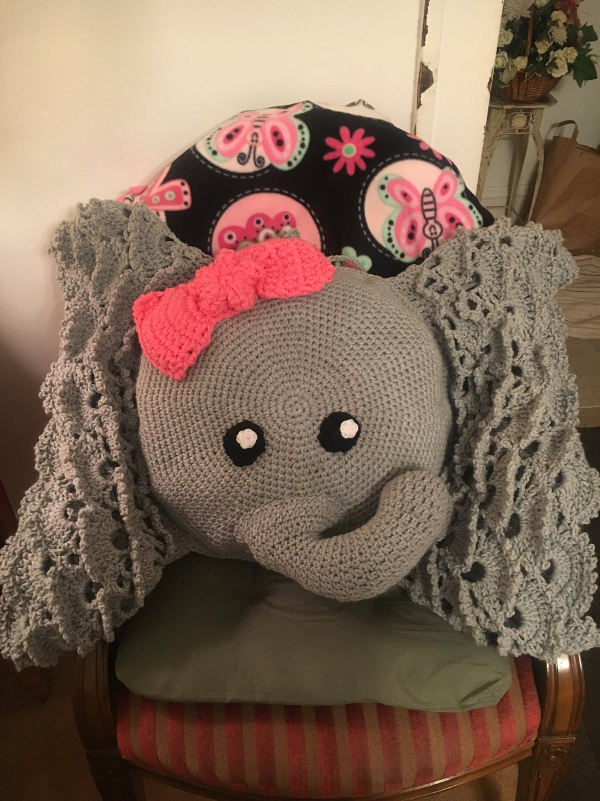 Elephant Cushion Crochet pattern by Poodle and PigPig ... | 1600x1200