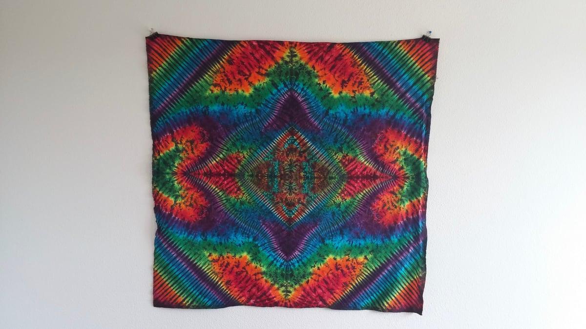 Rainbow Wave Tie Dye Tapestry!
