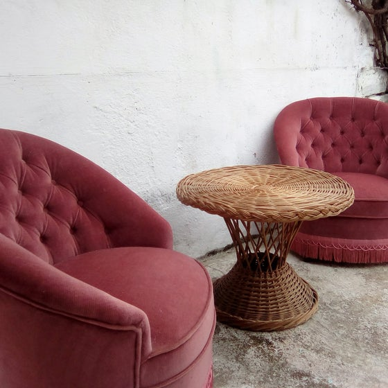 Image of Paire de fauteuils crapaud roses