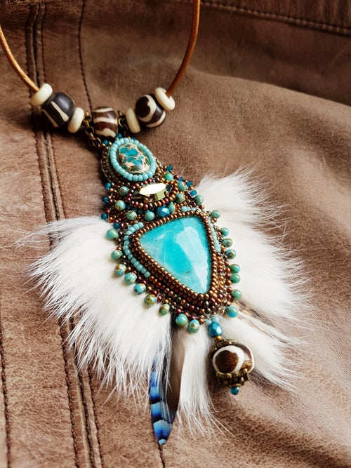 "Image of Collier brodé amazonite "" PRINTEMPS DES INUITS"""