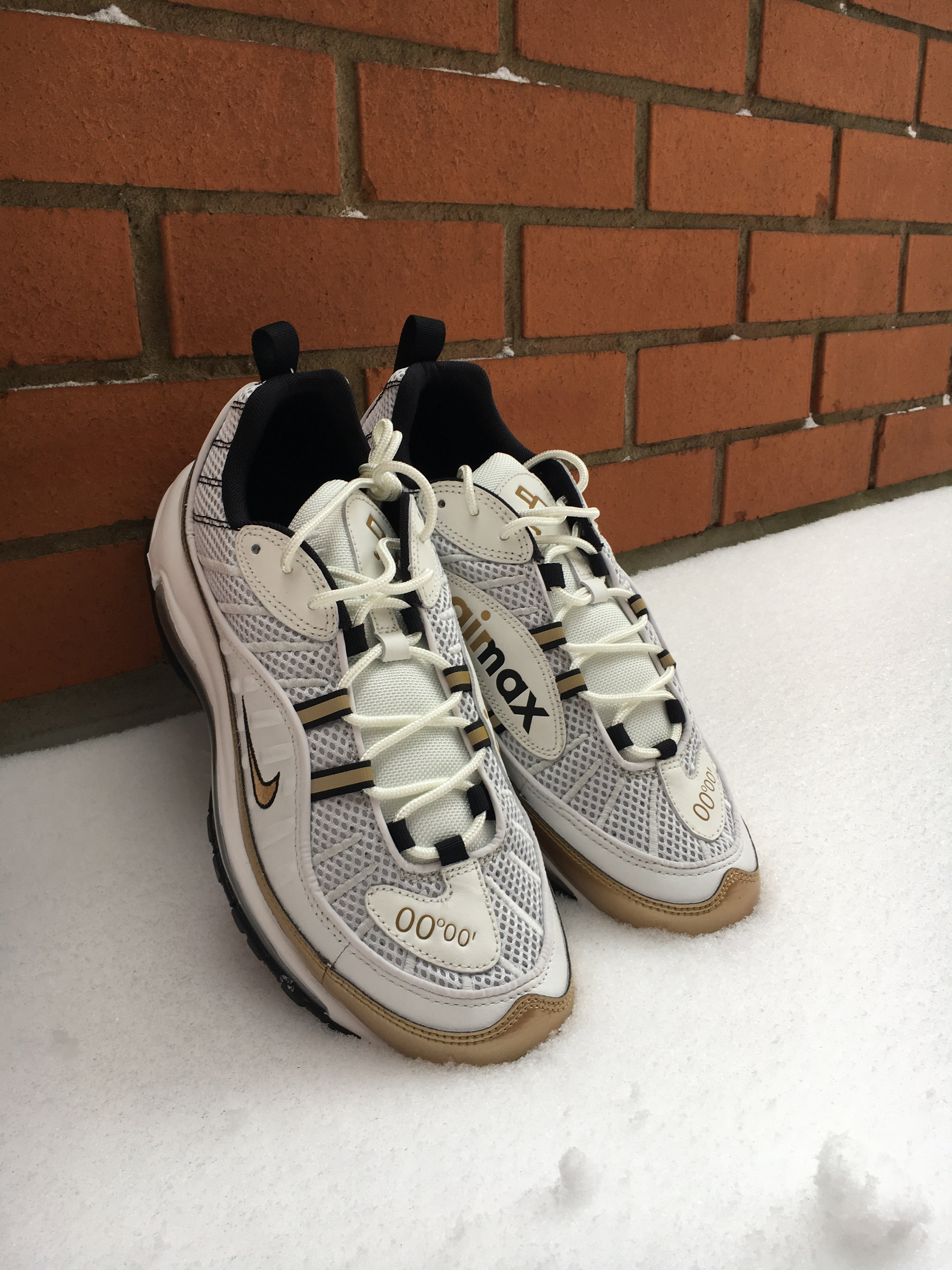 2e2305e5bc ... aj6302 100 summit white metallic gold size 6.5 uk; image of nike air  max 98 uk prime meridian white