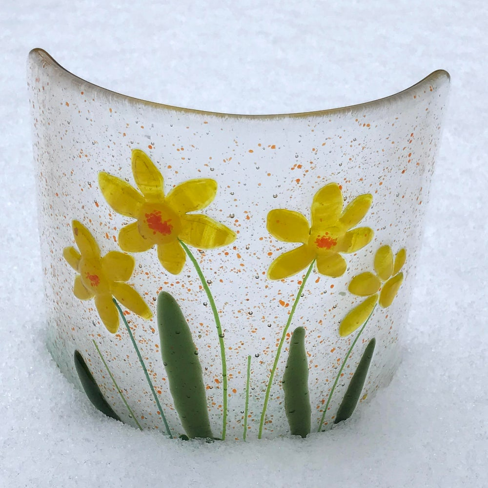 Image of Daffodil curve glass art