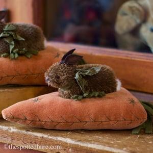 Image of Bunny's Big Carrot ~ Velvet carrot !