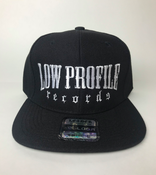 Image of BLACK HAT SNAPBACK  LOWPROFILE RECORDS IN WHITE COLORS
