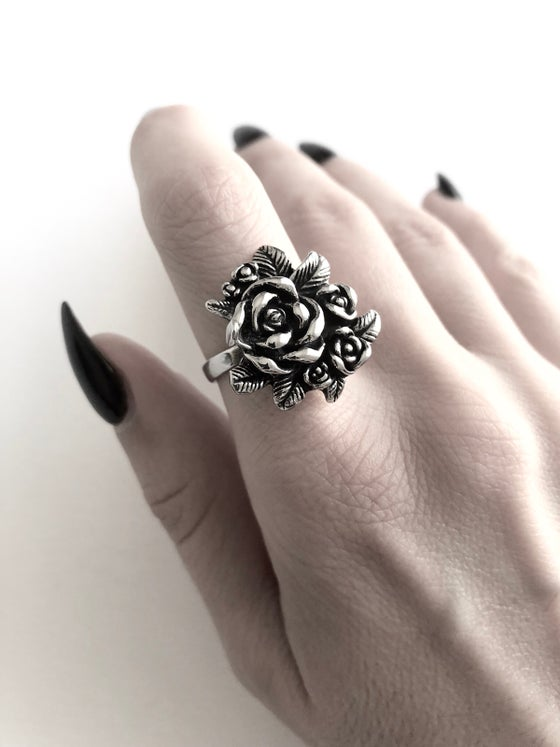 Image of ROSE BOUQUET RING