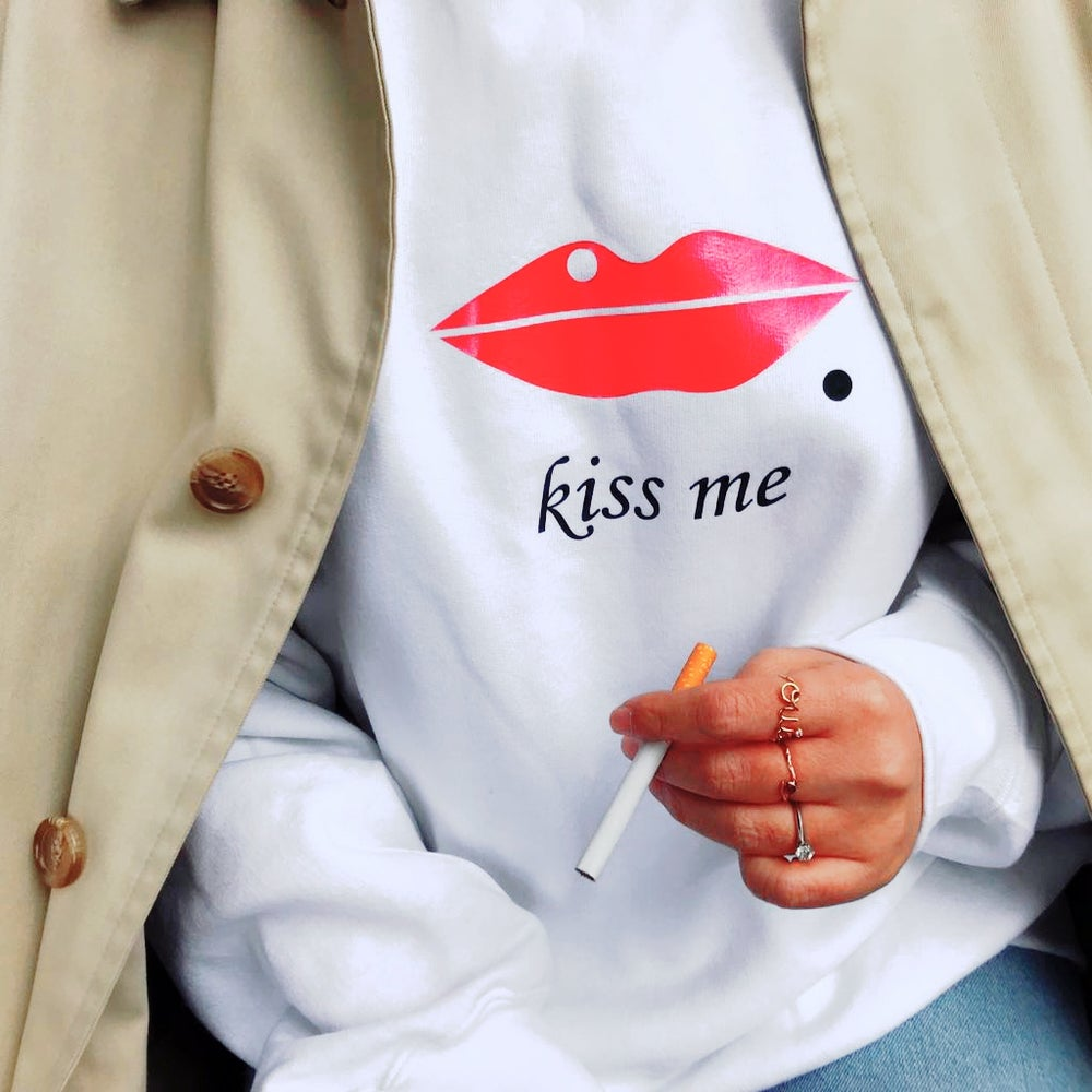 Image of Maison Bobby Paik Oversized Sweater Kiss me-red