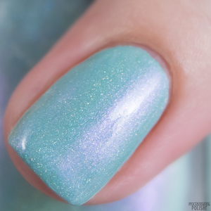 Image of 4H - a sage green holo with a subtle purple shift.