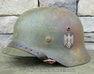 WWII German M-1935 Helmet & Liner. Singe Decal HEER Camo Pattern.
