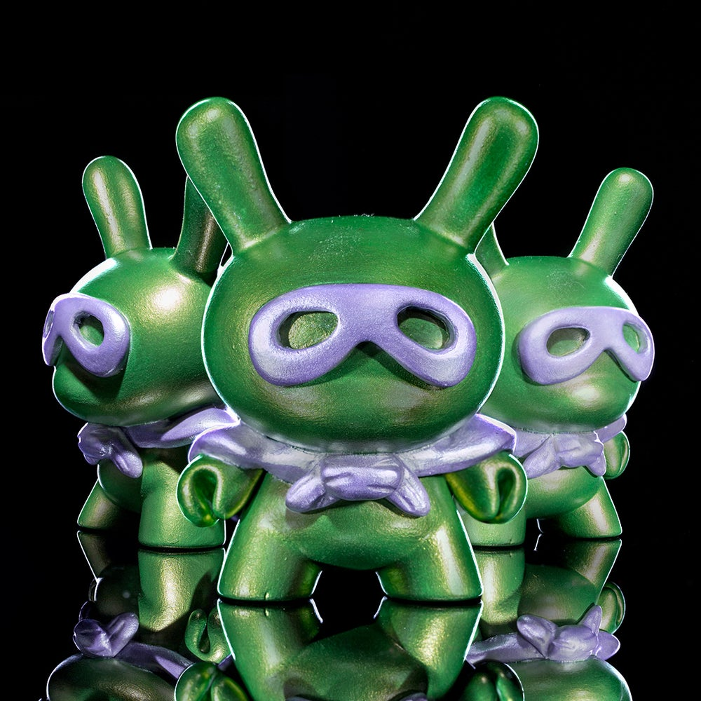 Image of metallic green/lilac Super dunny