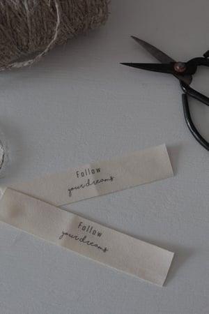 Image of Etiquette coton imprimée FOLLOW ... (ETKCTNFOLLOW)