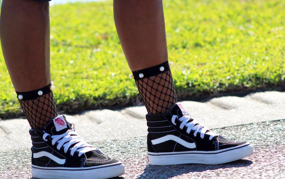 Image of Fishnet Pearl Socks