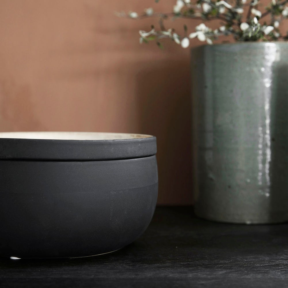 Image of Large Ivy storage pot with lid - 30% off